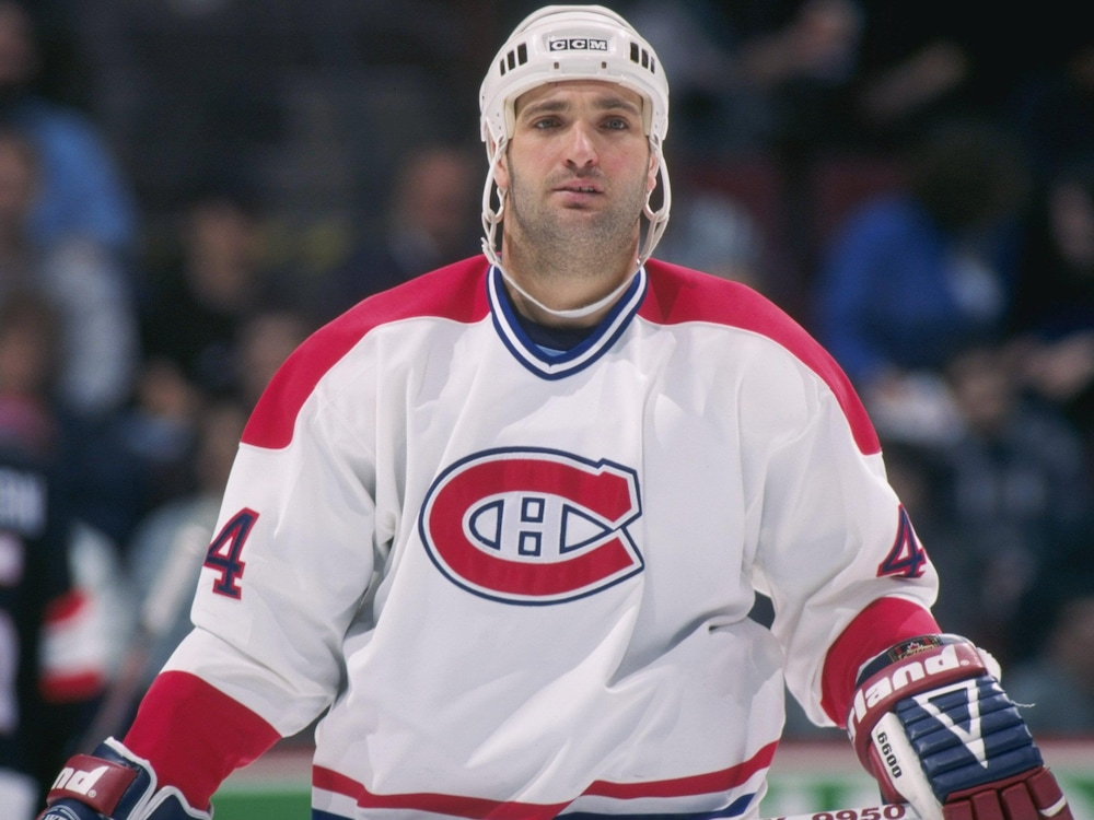 Stéphane Richer pendant un match contre les Sénateurs d'Ottawa au Forum de Montréal, le 15 mars 1997