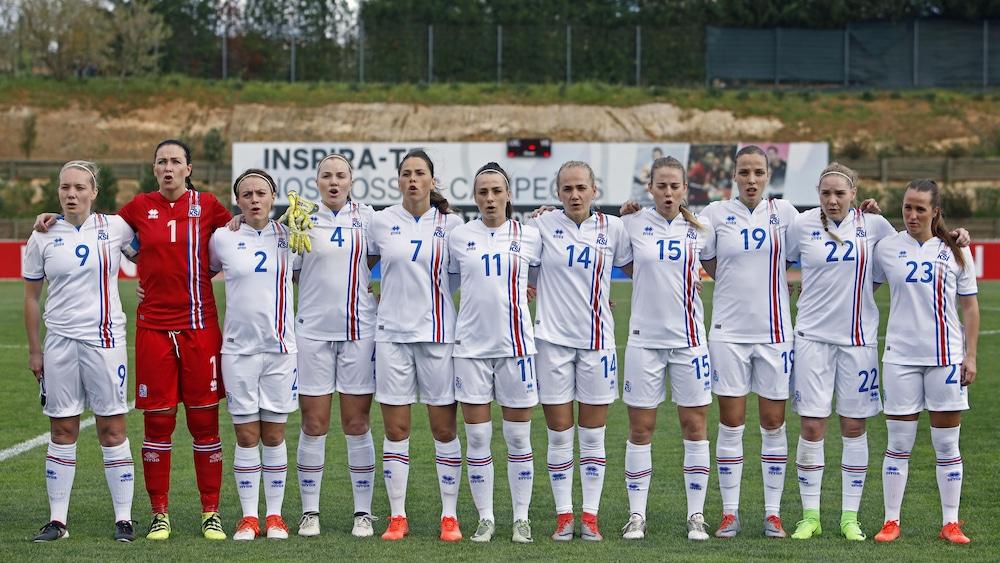 L'équipe islandaise avant son match contre les Japonaises lors de l'Algarve Cup, en mars dernier