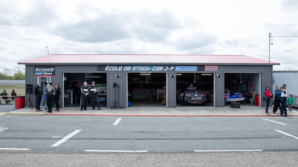 Le garage de l'Académie Andrew Ranger à Sanair