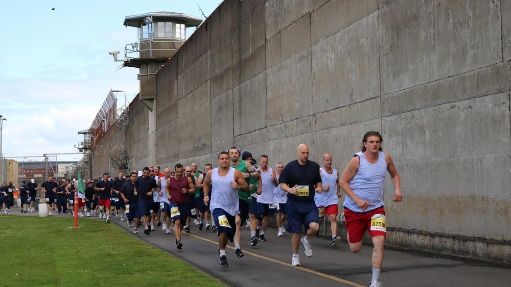 Les coureurs au départ du 5 km. Les participants du 10 km, eux, s'élancent quelques centaines de mètres plus loin.