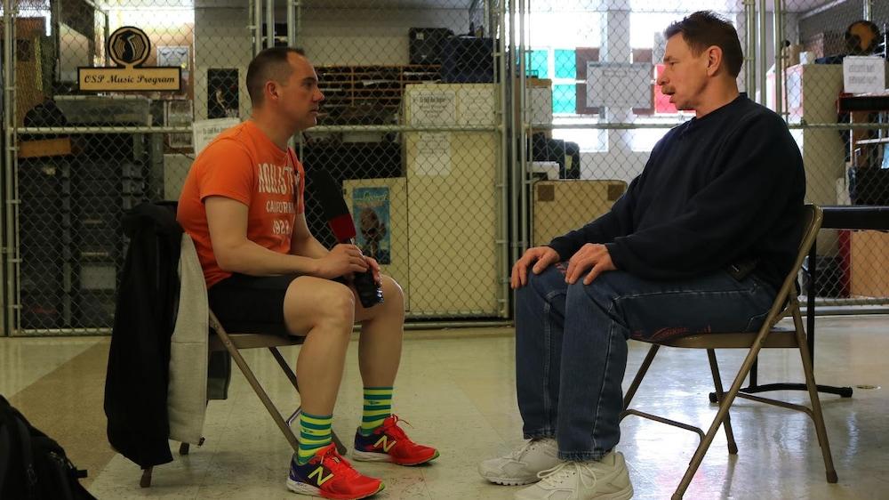 Michael Eric Nitschke (à droite), détenu à l'Oregon State Penitentiary
