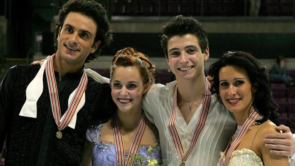 De gauche à droite : Patrice Lauzon, Tessa Virtue, Scott Moir et Marie-France Dubreuil le 9 février 2007 aux Championnats des quatre continents, à Colorado Springs