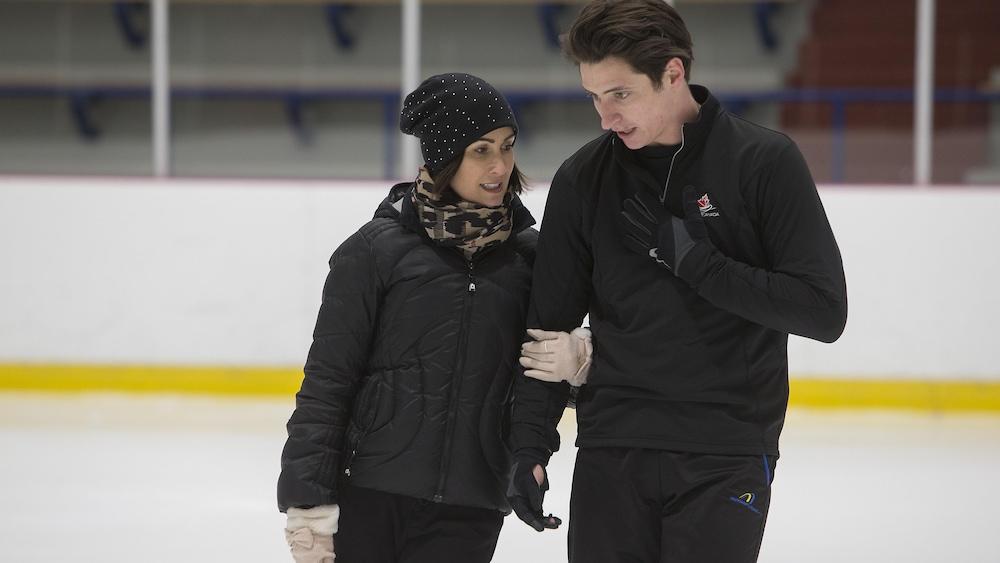 Marie-France Dubreuil avec Scott Moir à l'entraînement