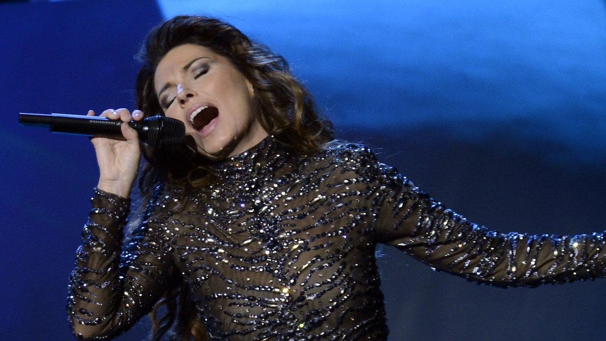 Female Country Singer From Canada for what i wish i knew then': shania twain shares some words of wisdom