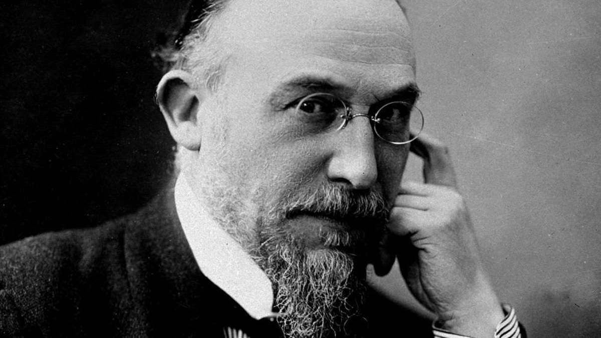 https://images.radio-canada.ca/c_scale,w_1200/v1/cbc-music/16x9/erik-satie-3.jpg