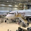 Des avions dans un hangar