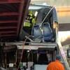 Les premiers répondants ont été en mesure de secourir des gens qui étaient pris au deuxième niveau de l'autobus.