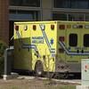 Une ambulance devant l'hôpital de Hull du Centre intégré de santé et de services sociaux (CISSS) de l'Outaouais (archives).