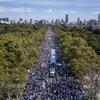 Des milliers de personnes prennent part à une manifestation contre l'avortement à Buenos Aires en Argentine.