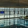 La piscine du complexe Desjardins vide.