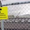 Des réservoirs d'entreposage de déchets nucléaires au complexe nucléaire de Bruce, près de Kincardine.