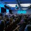 Les membres de la CAQ écoutent leur chef François Legault
