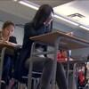 Des étudiantes dans une salle de classe.