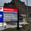 L'enseigne de l'urgence à l'extérieur de l'Hôpital Sunnybrook à Toronto.