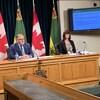 Les représentants de l'Autorité de la santé de la Saskatchewan s'adressent aux médias.