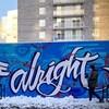 Immense murale sur laquelle on peut lire « we gon'be alright » ou « ça va bien aller ».