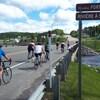 Quelque 200 cyclistes se relaient entre Bonaventure et Percé dans le cadre du Défi Roulons pour nos hommes au profit de la Fondation Santé Baie-des-Chaleurs.