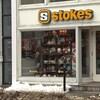 Devanture d'un magasin Stokes.