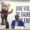 La présidente de la Commission spéciale sur les droits des enfants et la protection de la jeunesse, Régine Laurent, en conférence de presse.