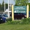 Une pancarte qui indique la proximité d'une école élémentaire.