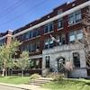 Façade de l'École primaire Saint-Paul à Trois-Rivières.