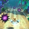 Un personnage se déplace sur une planche volante dans un environnement qui ressemble au fond d'une étendue d'eau.