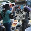 Le calme relatif s'est poursuivi dimanche dans la capitale de Port-au-Prince, permettant aux citoyens de sortir faire des courses.