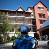 Un policier portant un casque bleu de l'ONU déployé en Haïti.