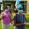 Des infirmières manifestent devant l'Hôpital de Rimouski.