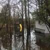 Un terrain inondé près de la rivière Magog.