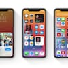 Trois iPhone, côte à côte, vus de face.