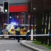 Des policiers sur les lieux après qu'un homme ait été tué par balle par des policiers armés le 2 février 2020 à Londres.