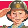 La mascotte de Mad en tenue de soldat américain.