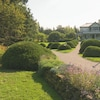 Un des sentiers des Jardins de Métis mène à la maison d'Elsie Reford.