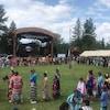 Des danseurs de pow-wow à Mashteuiatsh.