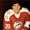 Mike Glover dans l'uniforme des Greyhounds.