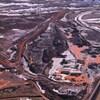 Des installations minières vues du ciel.