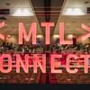 Le logo de MTL connecte devant une salle.