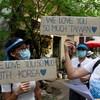 Des manifestants à Rangoon.