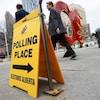 Pancarte indiquant le lieu de vote.