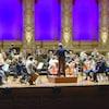 L'Orchestre symphonique de Vancouver joue dans une salle vide.