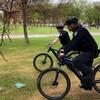Des agents de sécurité dans le parc Wascana.