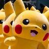 Plusieurs mascottes de Pikachu