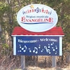 Enseigne souhaitant la bienvenue dans la région acadienne Évangéline à l'Île-du-Prince-Édouard.