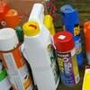 Des contenants de produits chimiques