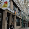 La première adresse de la chaîne de restaurants St-Hubert.