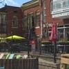 Des terrasses de restaurant, rue Laval, dans le Vieux-Hull.