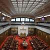 L'intérieur de la Chambre dans laquelle siègent les sénateurs.