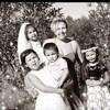 Tracy Heather Mapachee avec ses quatre enfants.