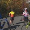 Des cyclistes sur la Véloroute de la Péninsule acadienne.